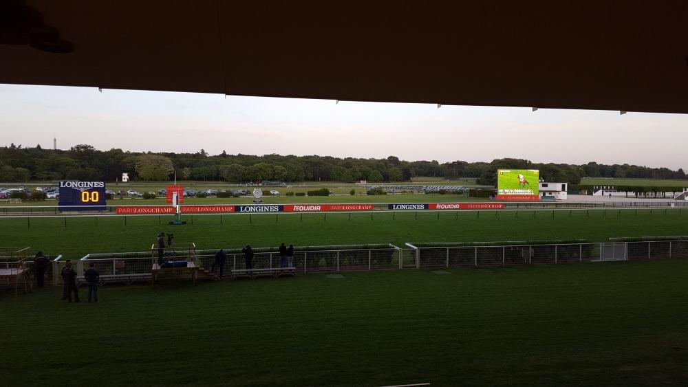 Hippodrome de Longchamp - vue des tribunes